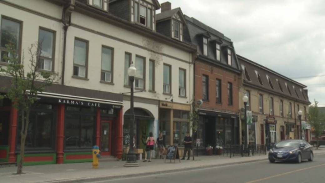 Click to play video 'Federal rent subsidy over for small businesses'