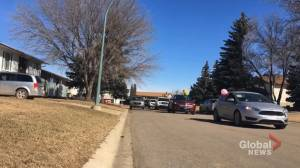 Birthday parades being held for Sask. children after their parties get cancelled (00:26)