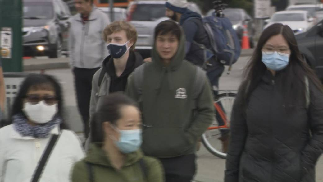 Click to play video 'Coronavirus: Small businesses in B.C. call for provincial health order on masks'