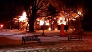 Massive blaze destroys apartment complex in Verona, Ont. 30 people now displaced (02:27)
