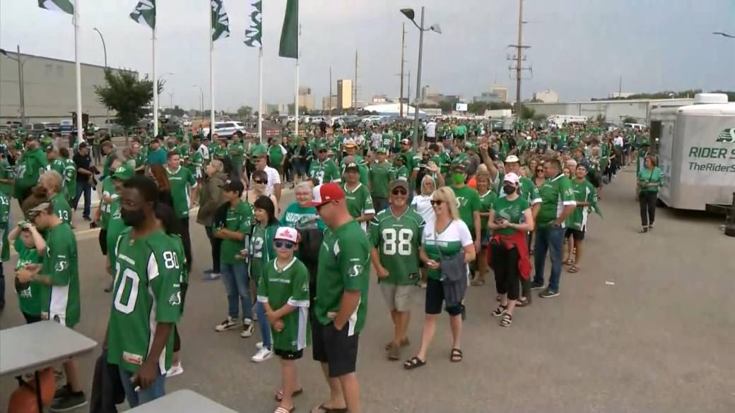 Click to play video: 'Full vaccination against COVID-19 or negative test to be required at Roughrider games'