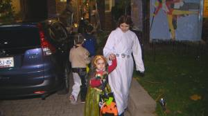 Celebrating Halloween safely during the pandemic (03:47)