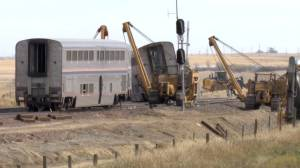 NTSB says data shows Amtrak train was travelling under speed limit before derailment (01:38)