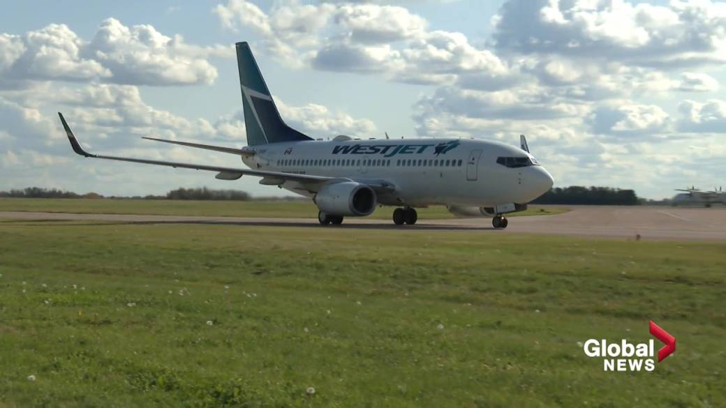 Click to play video: 'Westjet speaks with stakeholders about future of travel in and out of Edmonton'