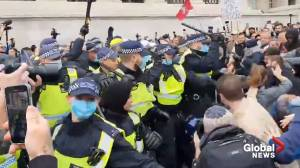 Coronavirus: Anti-lockdown protesters clash with police in London's Trafalgar Square (00:41)