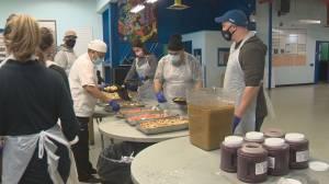 Edmonton's Boyle Street Community Services dishes up turkey dinner (01:53)
