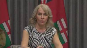 Coronavirus: Manitoba health official warns cases may be stabilizing, but hospitalizations not (02:10)