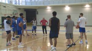 UBC-Okanagan men's basketball hosts coaches clinic with special guest (01:43)