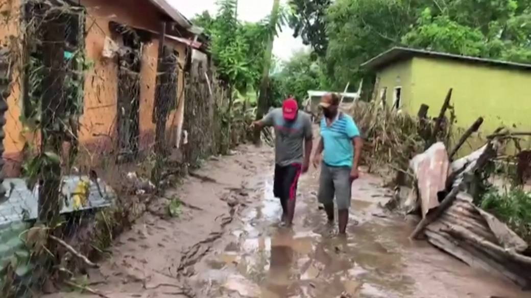 Hurricane Eta: At least 100 believed dead in Guatemala landslide - National   Globalnews.ca