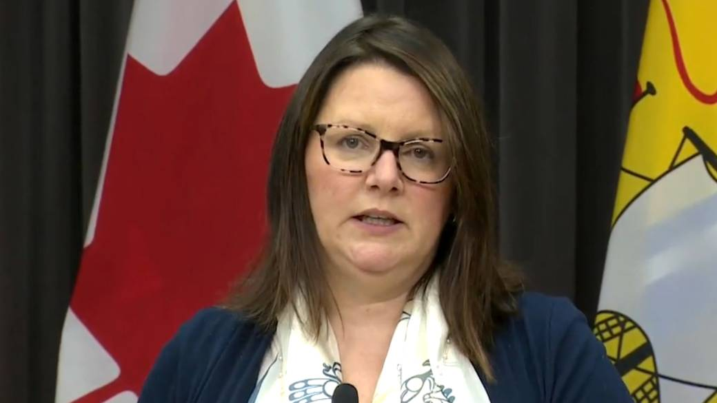 Click to play video 'Coronavirus: New Brunswick health official discourages non-essential travel to Halifax'