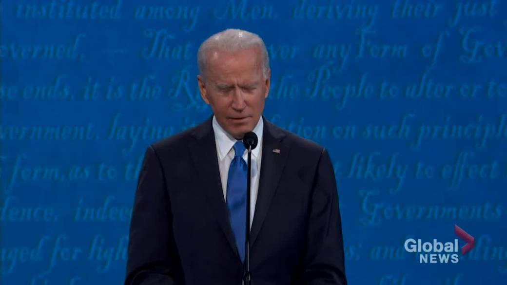 Click to play video 'Presidential debate: 'Anyone who's responsible for that many deaths should not remain as president,' says Biden'