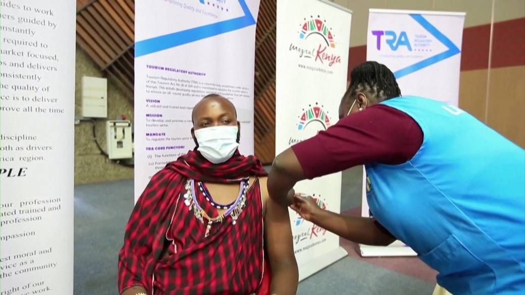 Click to play video: 'WHO warns of failure in beating COVID-19 unless rich countries speed up vaccine sharing'