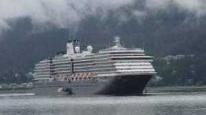 Hundreds of Canadians under quarantine on cruise ships