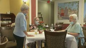 West Island seniors step forward to fundraise for other seniors (02:17)