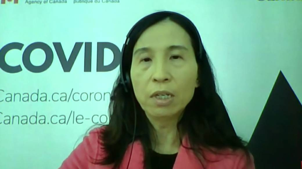 Click to play video: 'Canada 'very closely' watching data on mixing COVID-19 vaccines, Tam says'