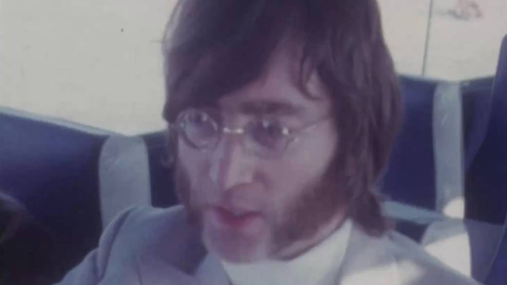 John Lennon S Sunglasses From The 1960s Fetch Over C 240k In Auction National Globalnews Ca