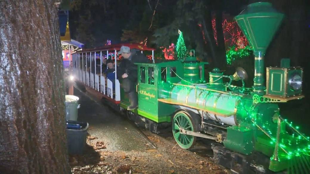 Click to play video 'B.C. holiday attractions awaiting clarification on whether they can operate'