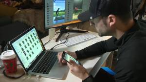 The gift of giving: B.C. golf pro gives lessons for charity (02:09)