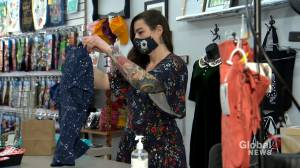 Shopping local over the holiday season being encouraged amid COVID-19 (01:53)