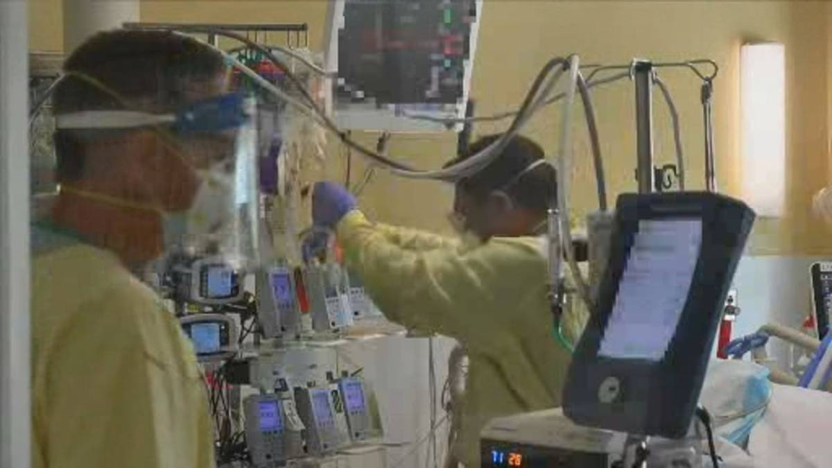 Click to play video: 'Alberta's overwhelmed hospitals alter care amid COVID-19 crisis'
