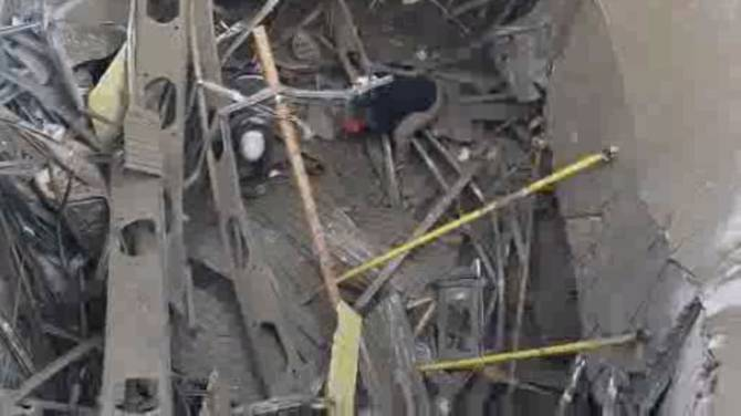 Click to play video: 2 dead, 4 in hospital following building collapse in southwest London, Ont.