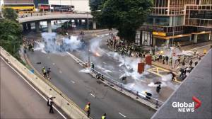 Police attempt to disperse Hong Kong protesters in Admiralty