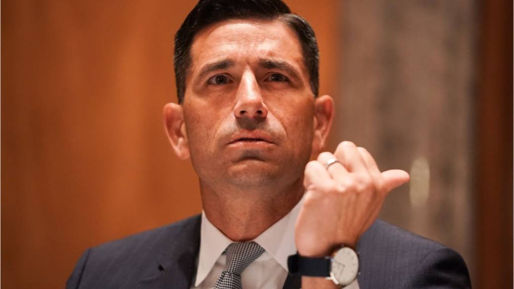 Click to play video 'Judge rules Trump appointee didn't have authority to suspend DACA immigration program'