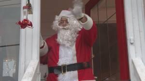 Vancouver Island senior spreading Christmas cheer as porch Santa (01:41)