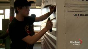 N.B. high school students pitch in to build a home for local family (01:37)