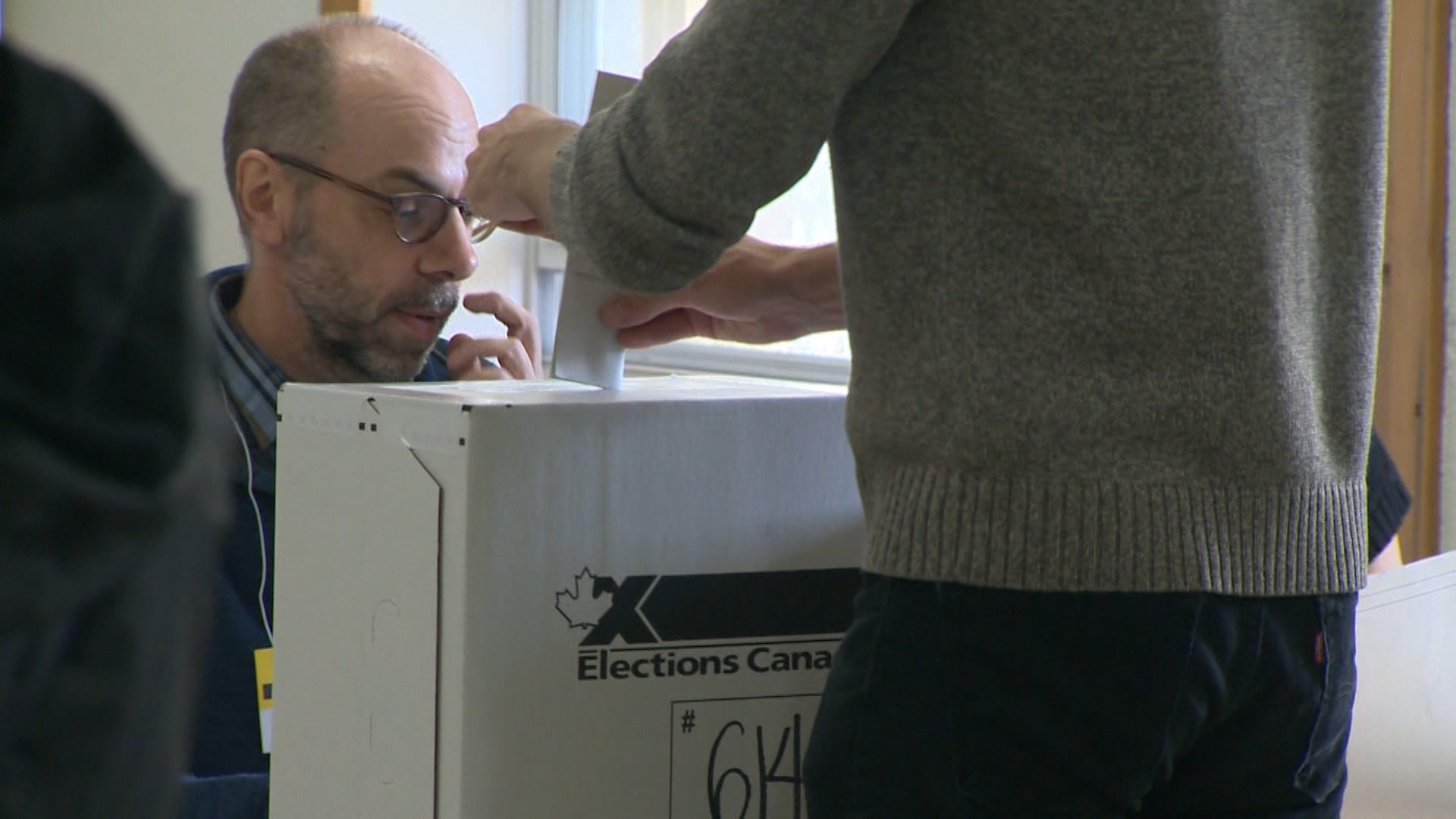 Montrealers turn up for advance voting