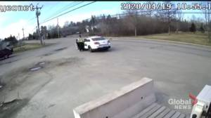 Video appears to show Nova Scotia shooting suspect stop, change clothes amid killing spree