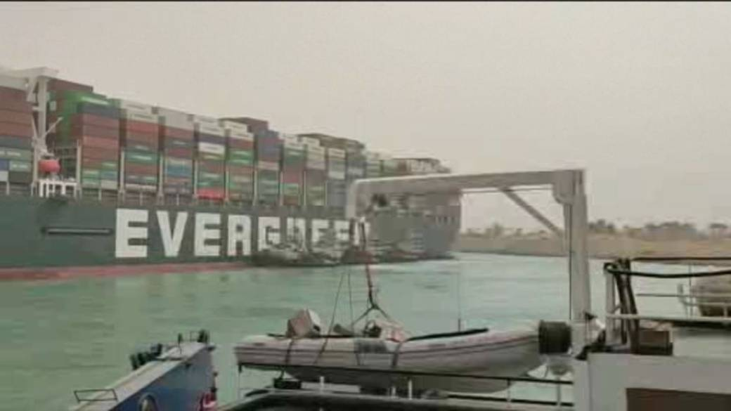 Click to play video: 'Huge container ship gets stuck in Suez Canal, blocking all traffic'