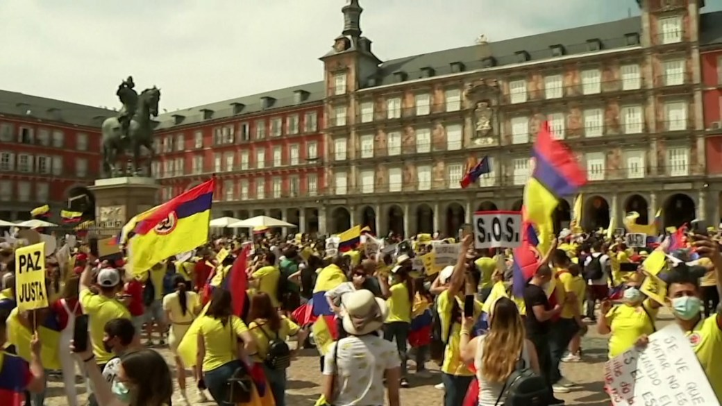 Click to play video: 'Thousands protest in Madrid against Colombian government, police violence'