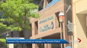 Toronto city council debates future of police reform (02:29)