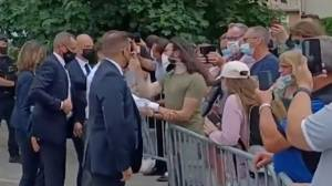 French President Emmanuel Macron slapped by bystander (01:04)