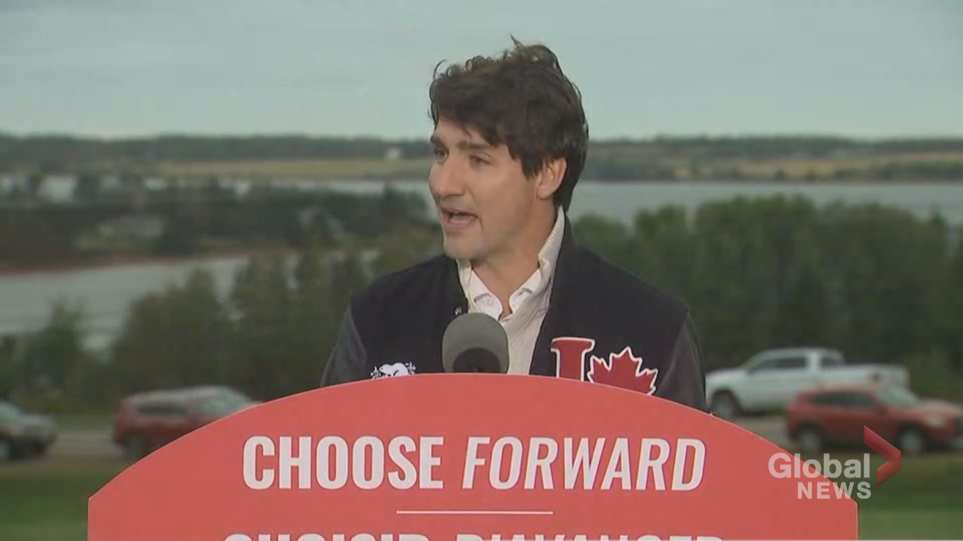 Federal Election 2019: Trudeau praises PEI for banning plastic bags