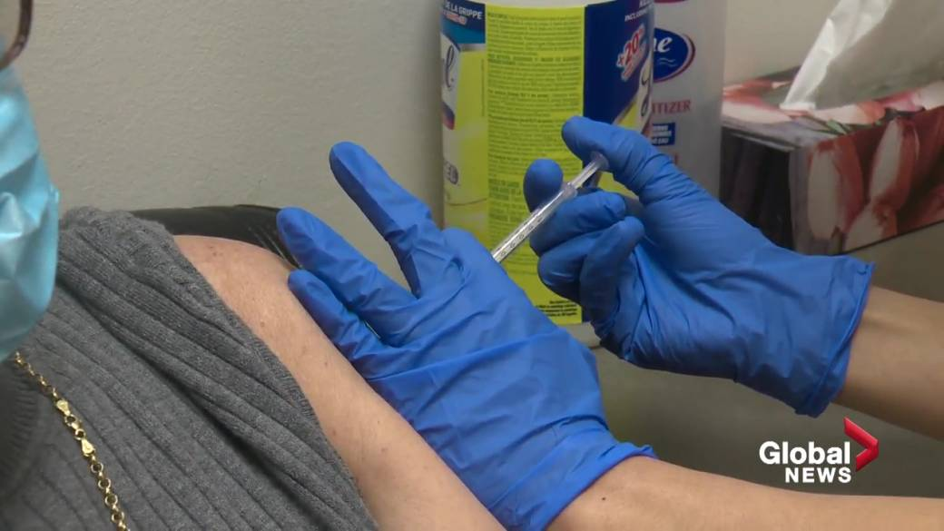 Click to play video: 'Albertans get COVID-19 vaccine dose ahead of schedule as pharmacies work to stop waste'