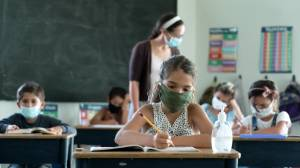 Canadians concerned about COVID-19 spread at schools (01:58)
