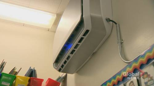 Coronavirus: Quebecers take issue of classroom ventilation into their own hands | Watch News Videos Online