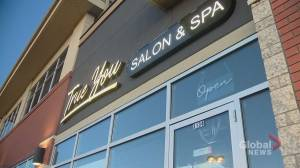 COVID-19: Calgary hair salon considers opening despite public health orders (01:34)