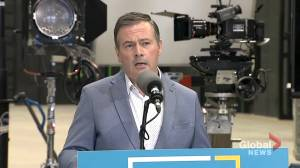 Kenney encourages municipal politicians to 'respect the expert advice' of Dr. Deena Hinshaw (01:20)