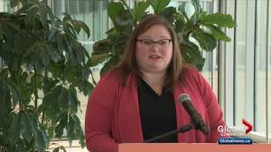 NDP accuse Alberta government of withholding COVID-19 info from parents (01:14)