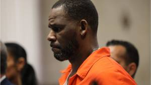 R. Kelly refuses to testify as his sex trafficking trial winds down (01:17)
