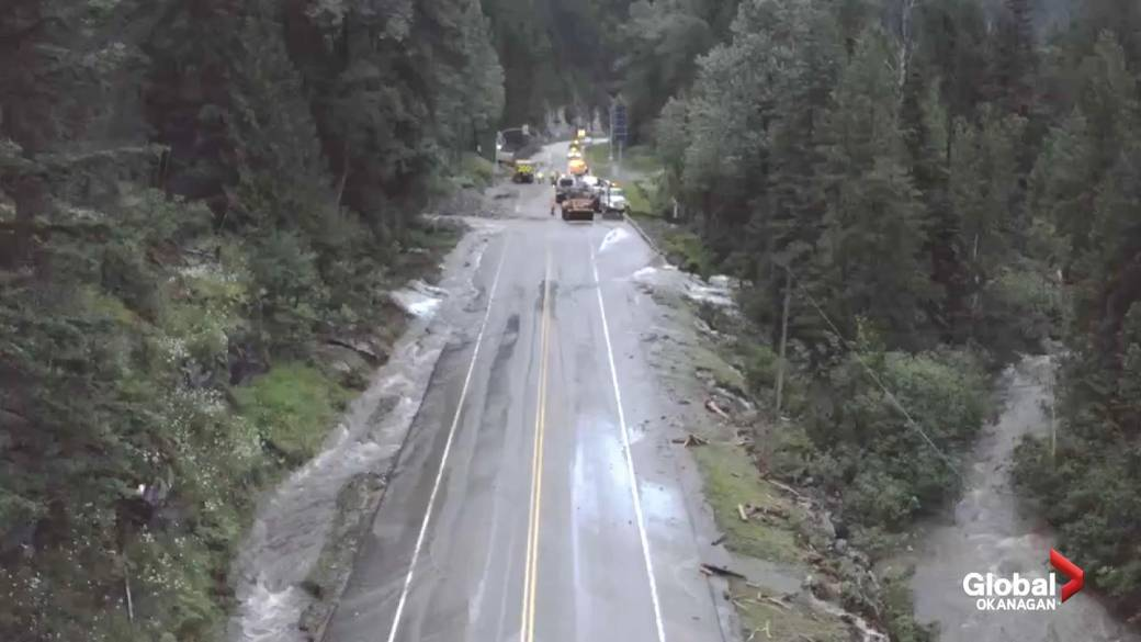 Click to play the video: 'Drone video of the flood repair of the Trans-Canada Highway in British Columbia'