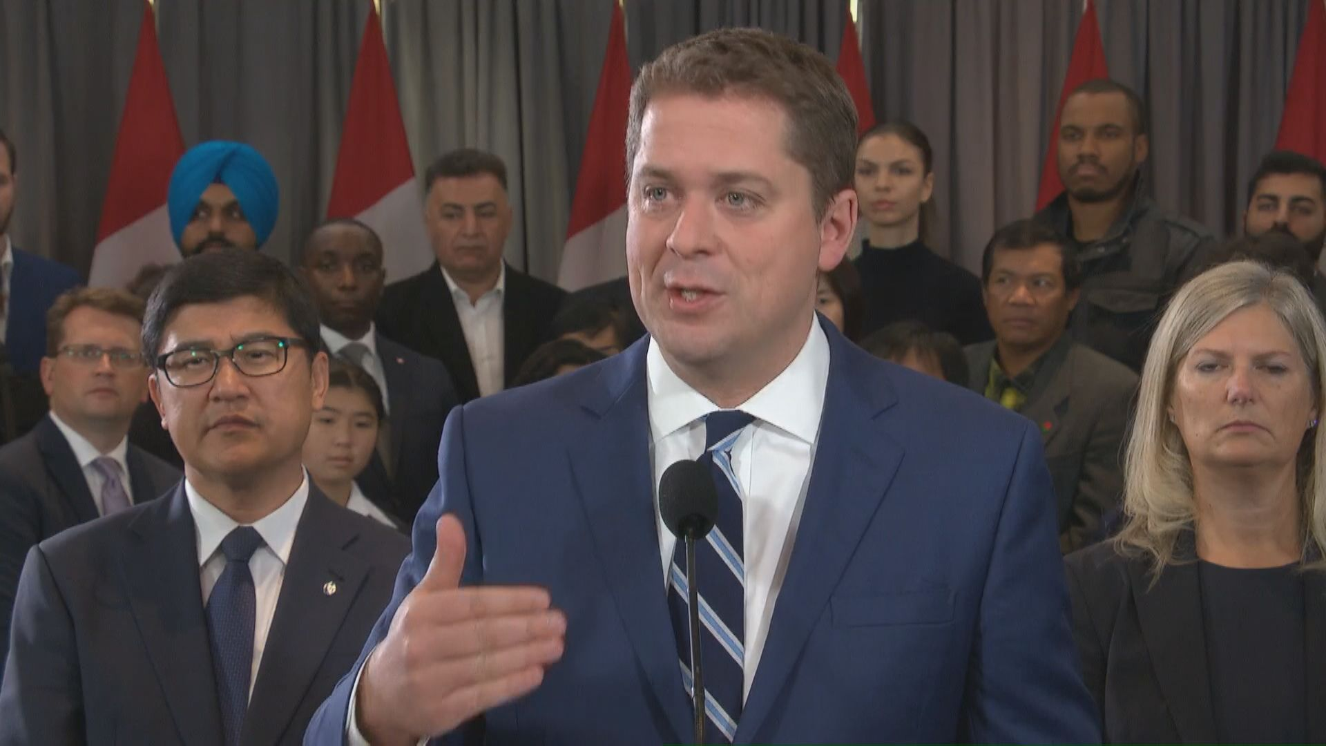 Federal Election 2019: Scheer accuses Trudeau of 'fighting with provinces'