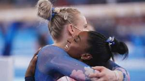 Olympic gymnasts Simone Biles, Ellie Black overcome adversity on the beam (02:00)