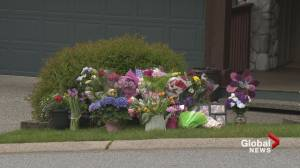 Friends, strangers come to pay respects after missing Port Moody woman found dead (00:57)