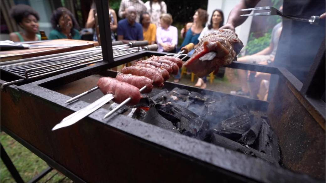 Massive BBQ planned outside vegan's home after she complained about meat smell