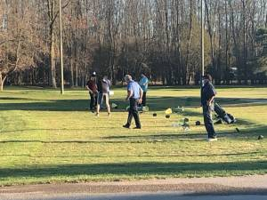 Golf season extended thanks to warm weather (01:26)
