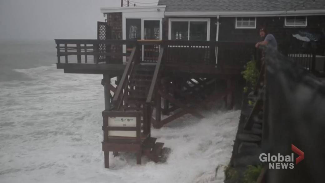 Click to play video: 'Northeastern U.S. inundated with heavy rainfall as Tropical Storm Henri makes landfall'